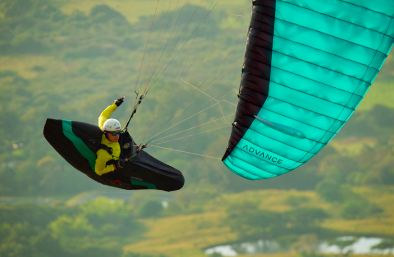 Impress 4 Paragliding Harness from Advance