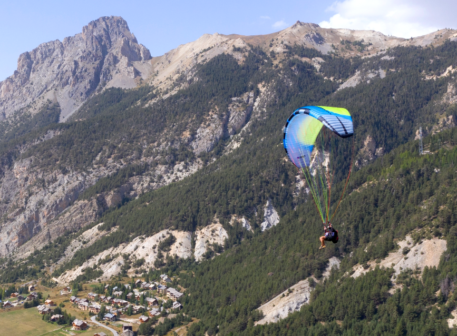 Solo Paraglider from Dudek
